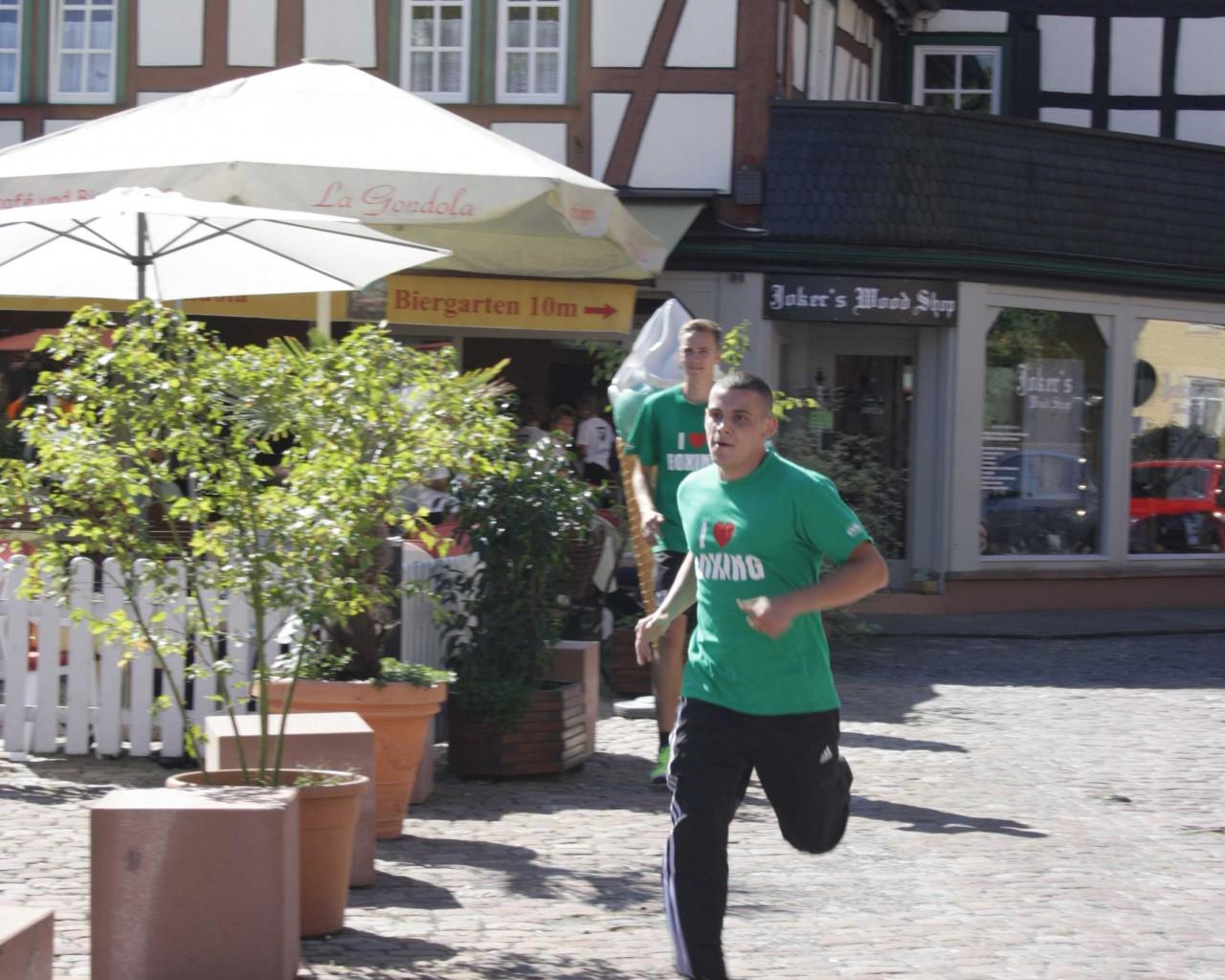 Erbacher_Stadtlauf_2012_TSV_Erbach_Boxen (12)
